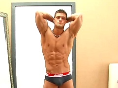 Muscled stud Derek Raser Pin Up, Added: 2011-11-12 by Bel Ami Online